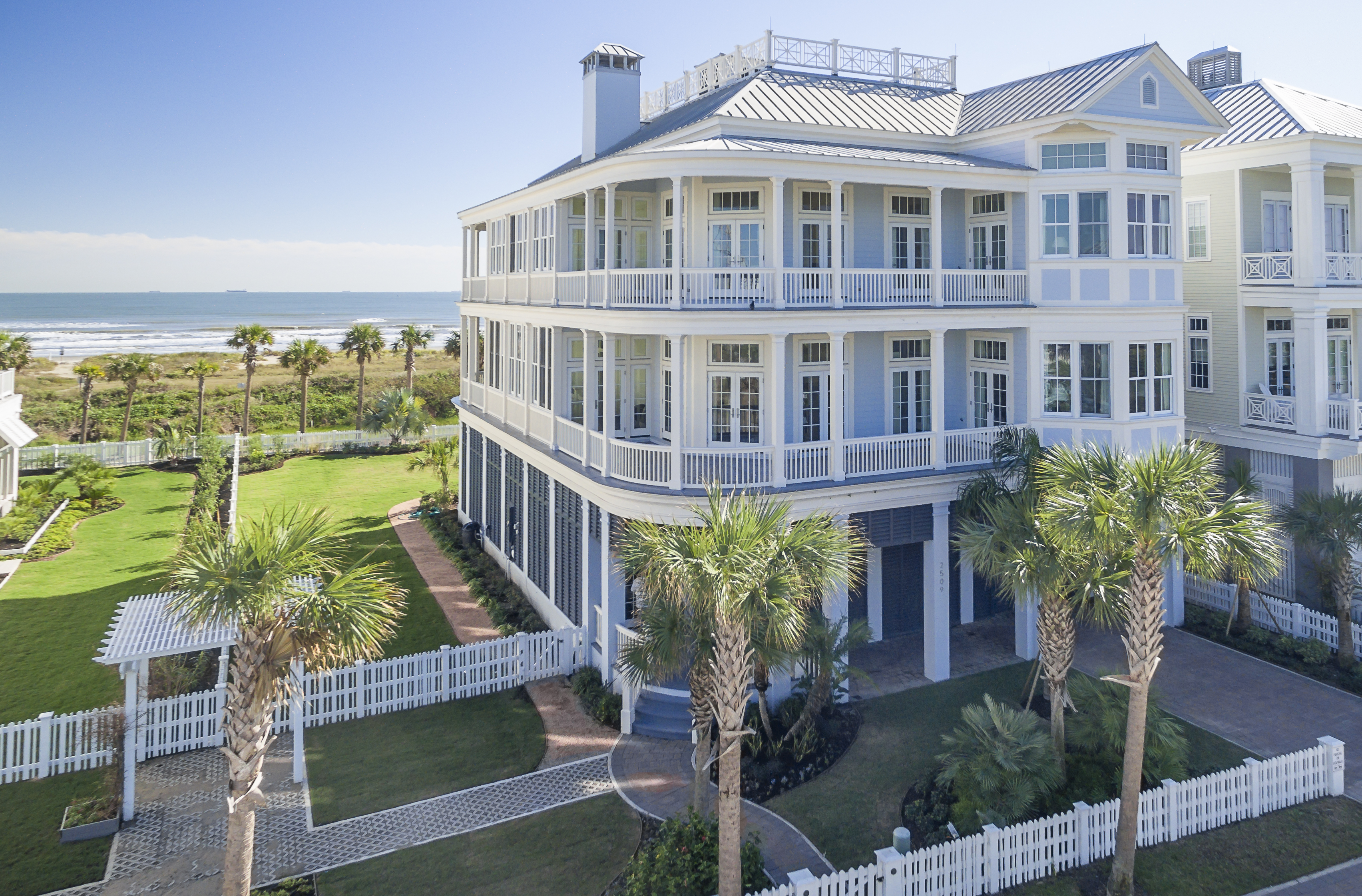 2509 E Seaside Dr